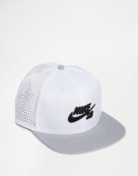 Белая кепка Nike SB Perf Trucker 629243-101 - Белый