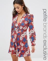 Короткое приталенное платье с глубоким вырезом Glamorous Petite