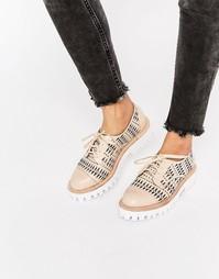 Массивные туфли с вырезами на плоской подошве Jeffrey Campbell Pistol