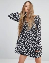 Платье на пуговицах с цветочным принтом Glamorous - Черный