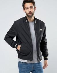Изготовленная в Англии куртка‑пилот с окантовкой Fred Perry Laurel Wre