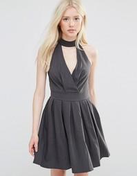 Короткое приталенное платье с отделкой горловины Wal G - Серый