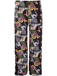 свободные брюки с мультипликационным принтом Ashley Williams
