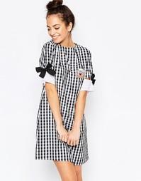 Платье-футболка мини с бантиками на рукавах The WhitePepper