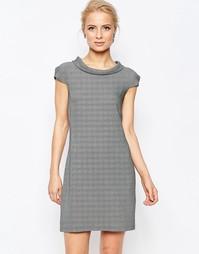 Цельнокройное платье в ломаную клетку Closet
