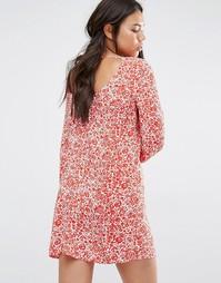 Свободное платье с глубоким вырезом сзади, длинными рукавами и цветочн Billabong
