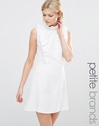 Платье с высокой горловиной и оборками Alter Petite - Кремовый
