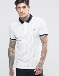 Белая футболка‑поло зауженного кроя в горошек Fred Perry