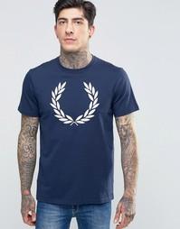 Синяя футболка с логотипом в виде лаврового венка Fred Perry