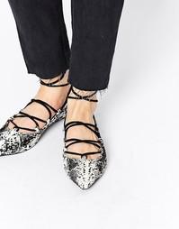 Туфли на плоской подошве с ремешками и змеиным принтом Senso Gia - Ice