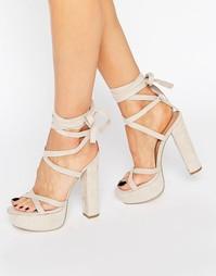 Сандалии на блочном каблуке и шнуровке Truffle - Телесный микро