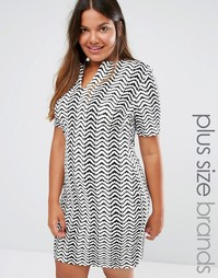 Платье с шевронным узором и открытой горловиной Club L Plus