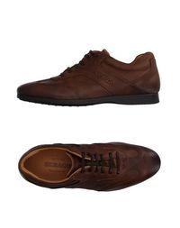 Низкие кеды и кроссовки Sebago