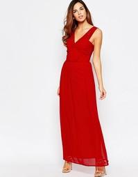 Присборенное платье макси с открытой спинкой и кружевом Elise Ryan - Красный
