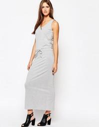 Серое платье макси в белую полоску Just Female - Серый