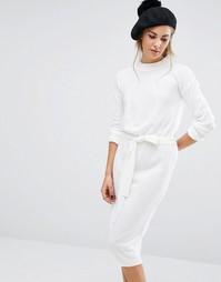 Трикотажное платье с высокой горловиной и завязкой на талии Fashion Union - Кремовый