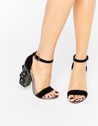 Сандалии на блочном каблуке с цветочным принтом Lost Ink Darima - Черный