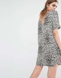 Платье с леопардовым принтом и вырезом на спинке Suncoo Caleb - Коричневый