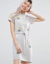 Платье-футболка с цветочной вышивкой Daisy Street - Серый