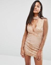 Кружевное платье мини с чокером и глубоким вырезом Love Triangle - Бежевый