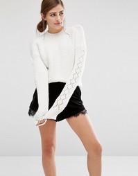 Укороченный вязаный джемпер с фактурными рукавами Fashion Union - Кремовый