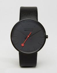 Черно-белые часы с циферблатом диаметром 42 мм Mondaine Giant - Черный