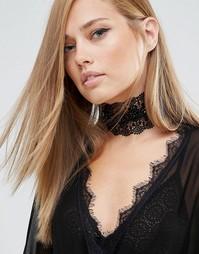 Ожерелье-чокер из цветочного кружева Love Rocks - Черный