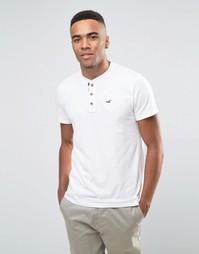 Белая футболка хенли узкого кроя с логотипом и контрастной отделкой на планке Hollister - Белый