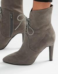 Ботильоны на каблуке со шнуровкой и острым носом London Rebel - Серый