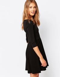Короткое приталенное платье с рукавами 3/4 Closet - Черный