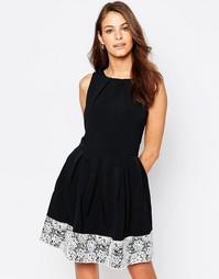 Короткое приталенное платье с кружевной кромкой Closet - Черный