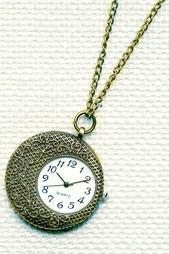 Кулон-часы Вафельный месяц MITYA VESELKOV