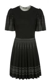 Приталенное мини-платье с декоративной отделкой и плиссированной юбкой Alexander McQueen