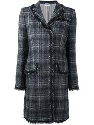 твидовое пальто в клетку Thom Browne