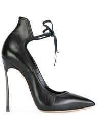 Черные туфли на шпильке Casadei