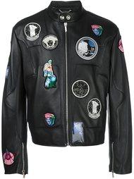 куртка с нашивками Versace