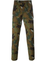 камуфляжные брюки чинос Études Studio