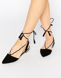 Туфли на плоской подошве с завязкой Truffle Collection Edlyn - Черный