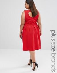 Короткое приталенное платье с вырезом сердечком сзади Lovedrobe Plus - Красный