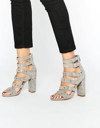 Серые замшевые сандалии с ремешками и заклепками Sam Edelman - Серый
