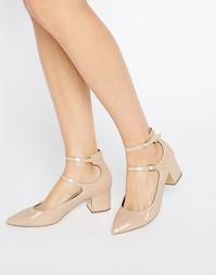 Туфли на каблуке с заостренным носком и двумя ремешками Miss Selfridge - Бежевый