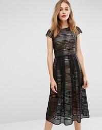 Кружевное платье с золотистой комбинацией металлик Body Frock - Черный