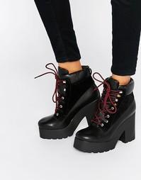 Ботильоны на платформе и шнуровке EEight - Черный
