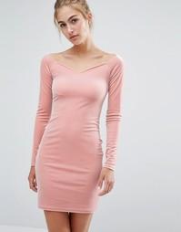 Бархатное платье с вырезом сердечком Miss Selfridge - Розовый