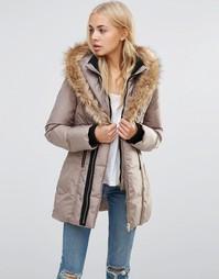 Стеганое пальто с высоким воротом и искусственным мехом QED London - Серый