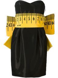 платье с поясом в виде мерной ленты Moschino