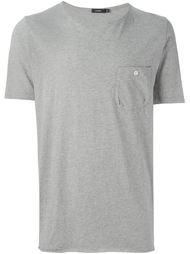 футболка с нагрудным карманом  Bassike