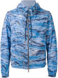 куртка-ветровка с камуфляжным принтом  Moncler