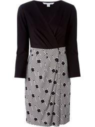 платье с запахом и геометрическим узором  Diane Von Furstenberg
