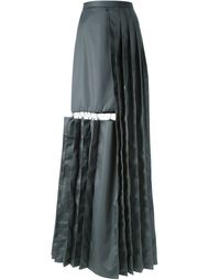 плиссированная длинная юбка с вырезом Chalayan